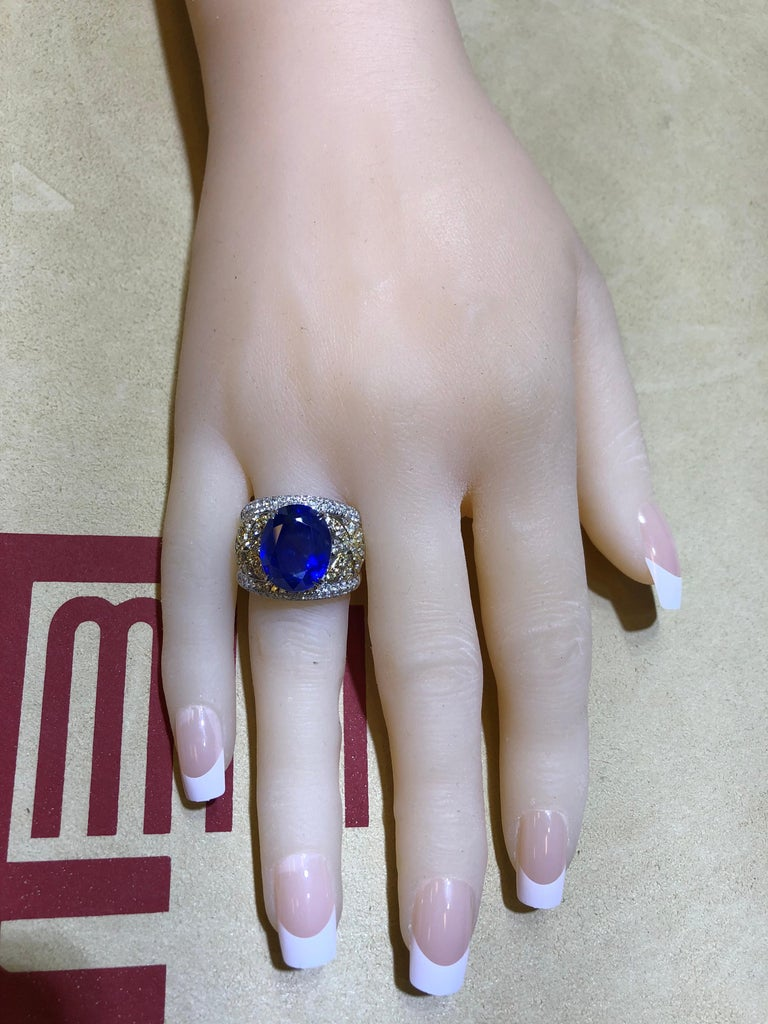 Emilio Jewelry 17.00 Carat AGL Certified Unheated Ceylon Sapphire Diamond Ring For Sale 10