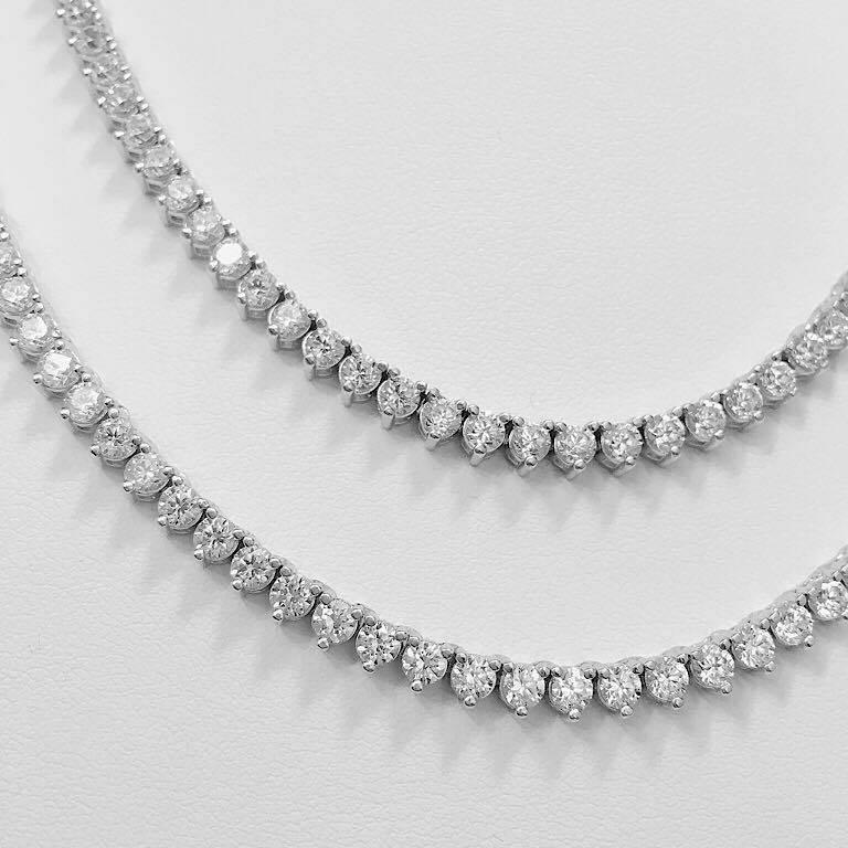 Women's Emilio Jewelry 17.00 Carat Diamond Necklace For Sale