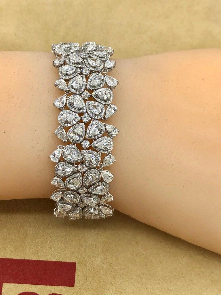 Emilio Jewelry 22.20 Carat Pear Shape Diamond Bracelet For Sale 1