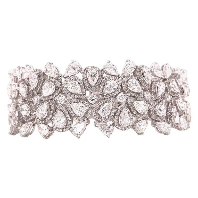 Emilio Jewelry 22.20 Carat Pear Shape Diamond Bracelet For Sale