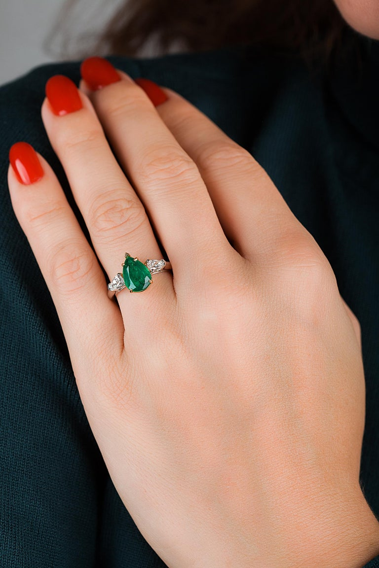 Emilio Jewelry 3.47 Carat Certified Vivid Green Emerald Diamond Ring In New Condition For Sale In New York, NY