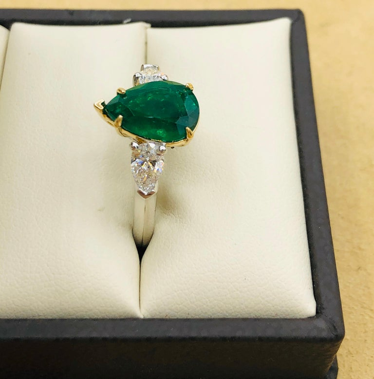 Emilio Jewelry 3.47 Carat Certified Vivid Green Emerald Diamond Ring For Sale 2