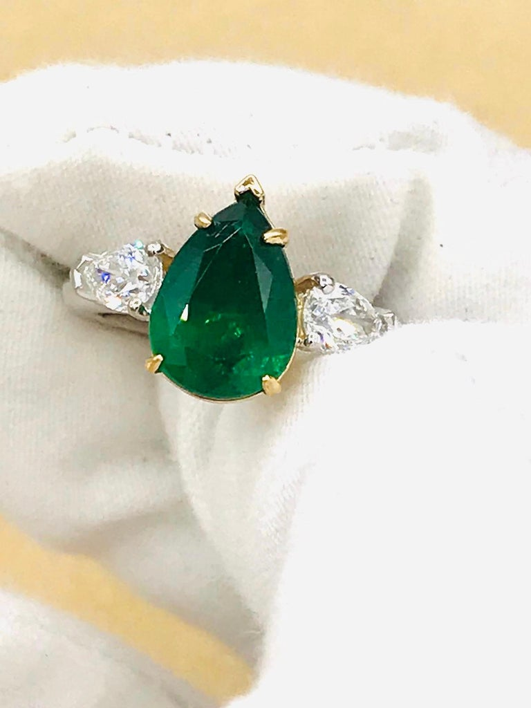 Emilio Jewelry 3.47 Carat Certified Vivid Green Emerald Diamond Ring For Sale 3