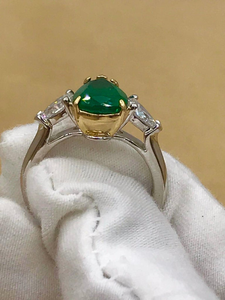 Emilio Jewelry 3.47 Carat Certified Vivid Green Emerald Diamond Ring For Sale 4