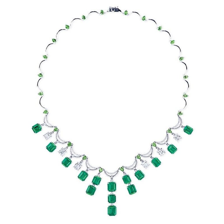 Emilio Jewelry 36 Carat Colombian Emerald Muzo Color Necklace In New Condition For Sale In New York, NY