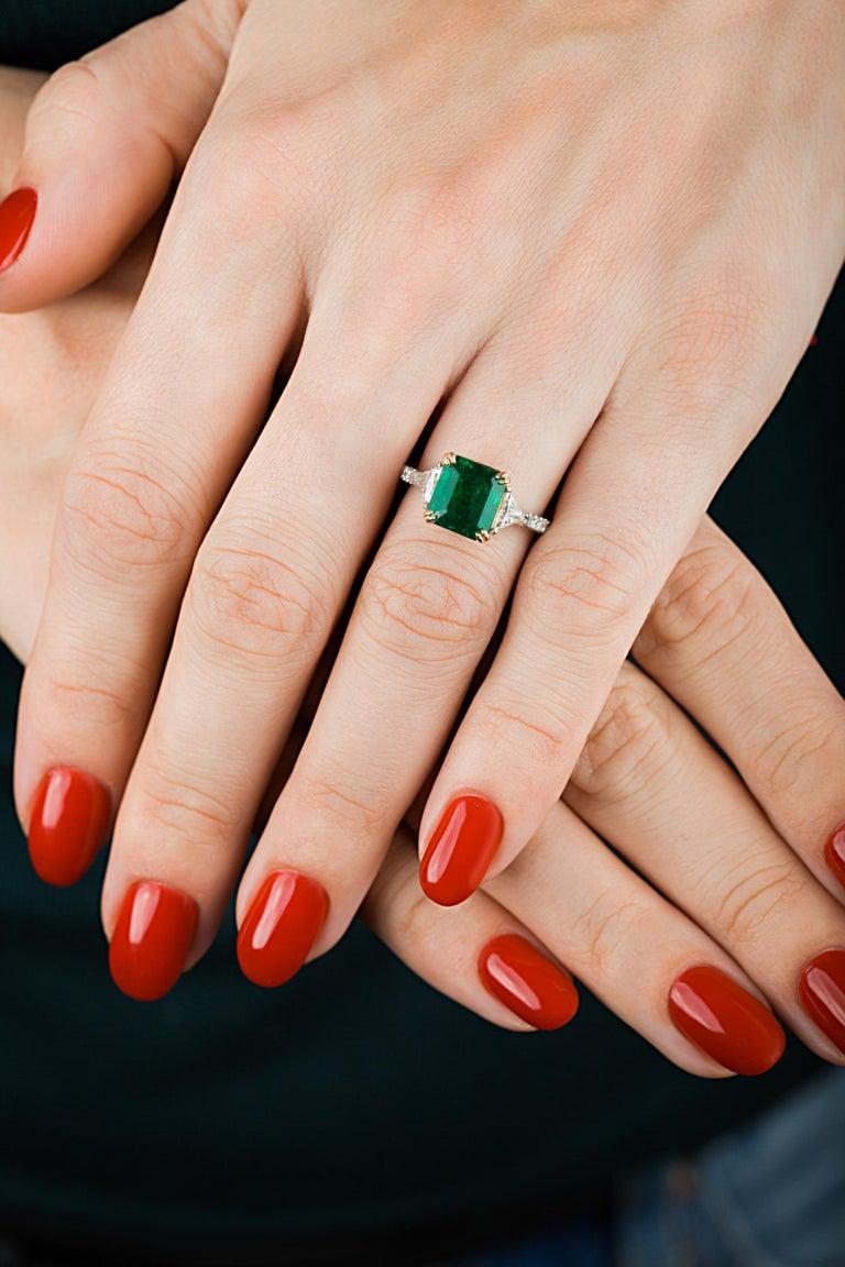 Emilio Jewelry 3.72 Carat Certified Vivid Green Emerald Diamond Ring For Sale 8