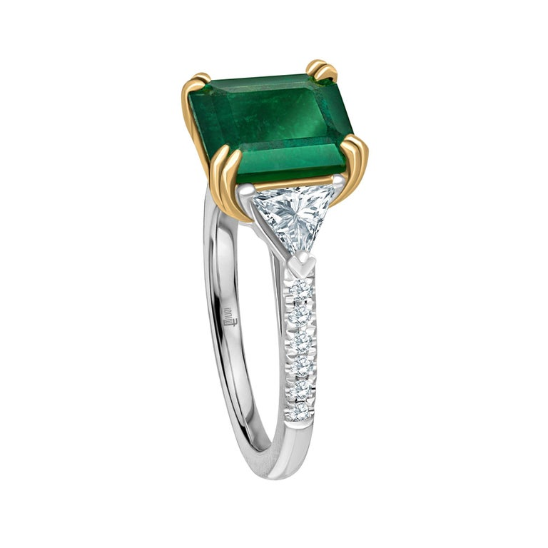 Emilio Jewelry 3.72 Carat Certified Vivid Green Emerald Diamond Ring In New Condition For Sale In New York, NY