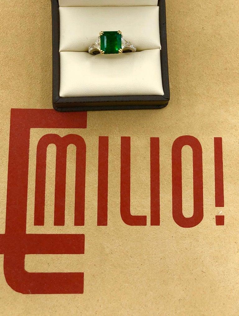 Emilio Jewelry 3.72 Carat Certified Vivid Green Emerald Diamond Ring For Sale 1