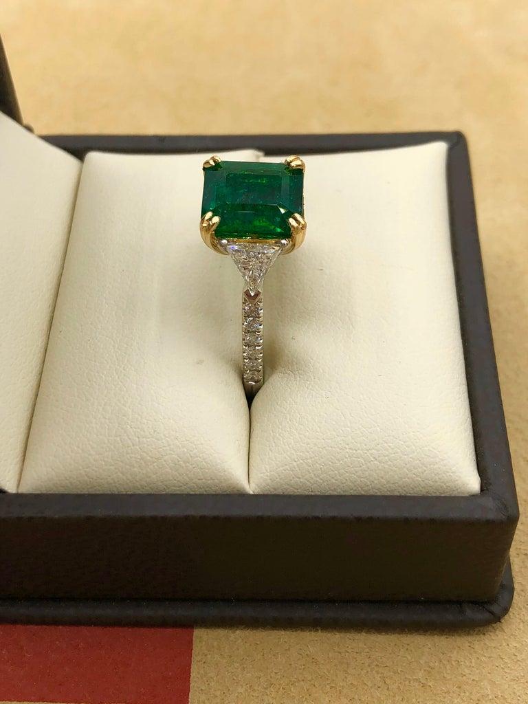 Emilio Jewelry 3.72 Carat Certified Vivid Green Emerald Diamond Ring For Sale 3
