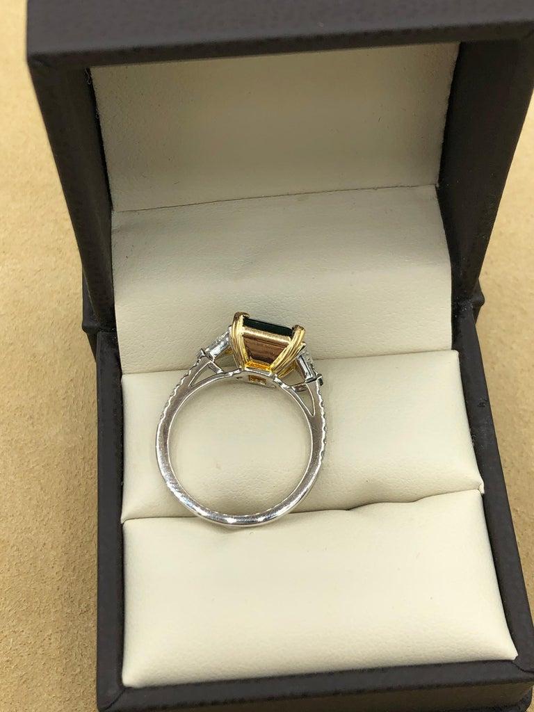 Emilio Jewelry 3.72 Carat Certified Vivid Green Emerald Diamond Ring For Sale 4