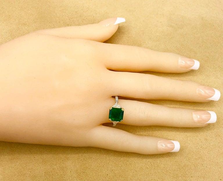 Emilio Jewelry 3.72 Carat Certified Vivid Green Emerald Diamond Ring For Sale 5
