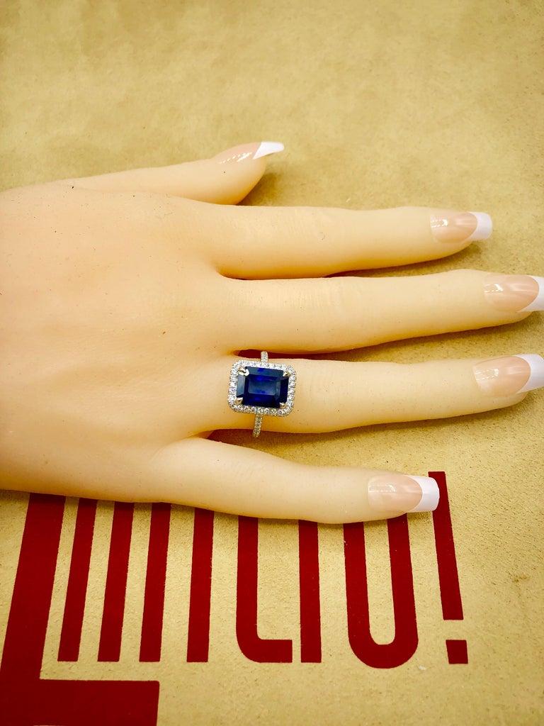 Emilio Jewelry 5.71 Carat Ceylon Sapphire Diamond Ring For Sale 4