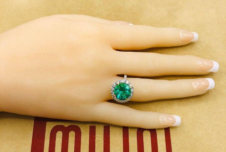 Emilio Jewelry 6.43 Carat Certified Colombian Emerald Diamond Ring For Sale 2