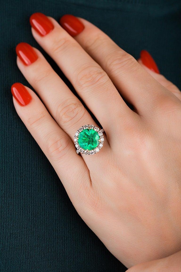 Women's or Men's Emilio Jewelry 6.43 Carat Certified Colombian Emerald Diamond Ring For Sale