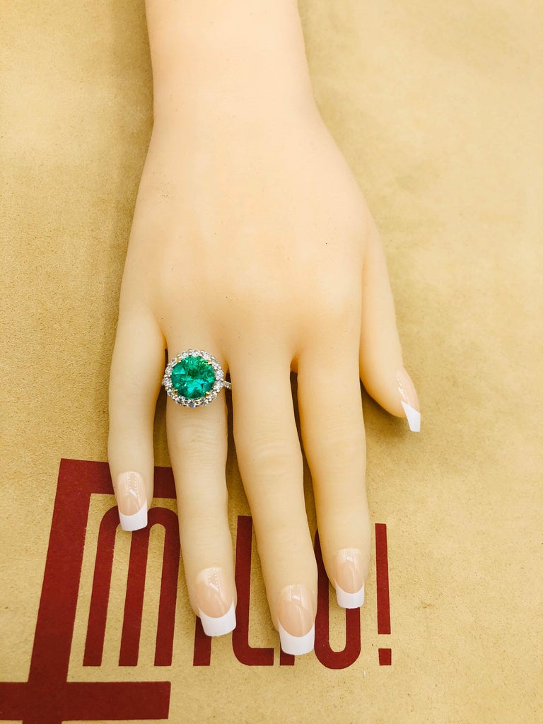 Emilio Jewelry 6.43 Carat Certified Colombian Emerald Diamond Ring For Sale 4