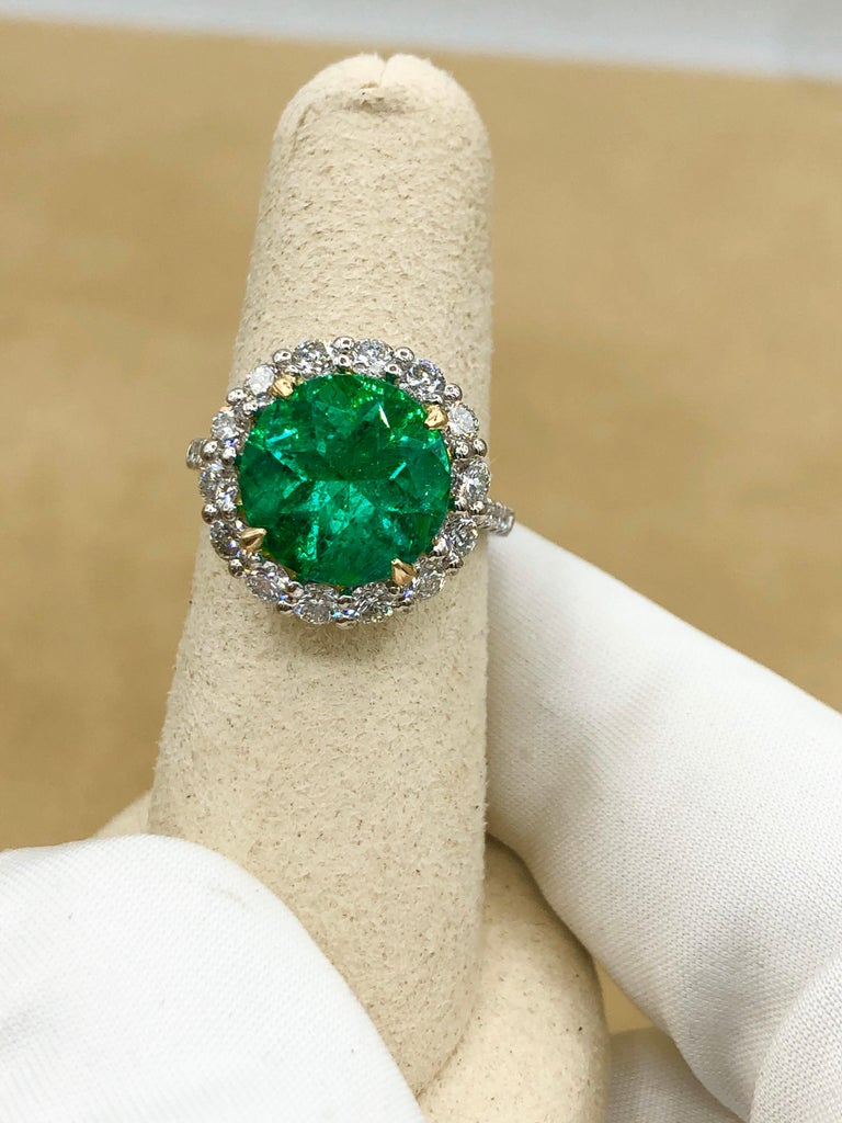 Emilio Jewelry 6.43 Carat Certified Colombian Emerald Diamond Ring For Sale 5