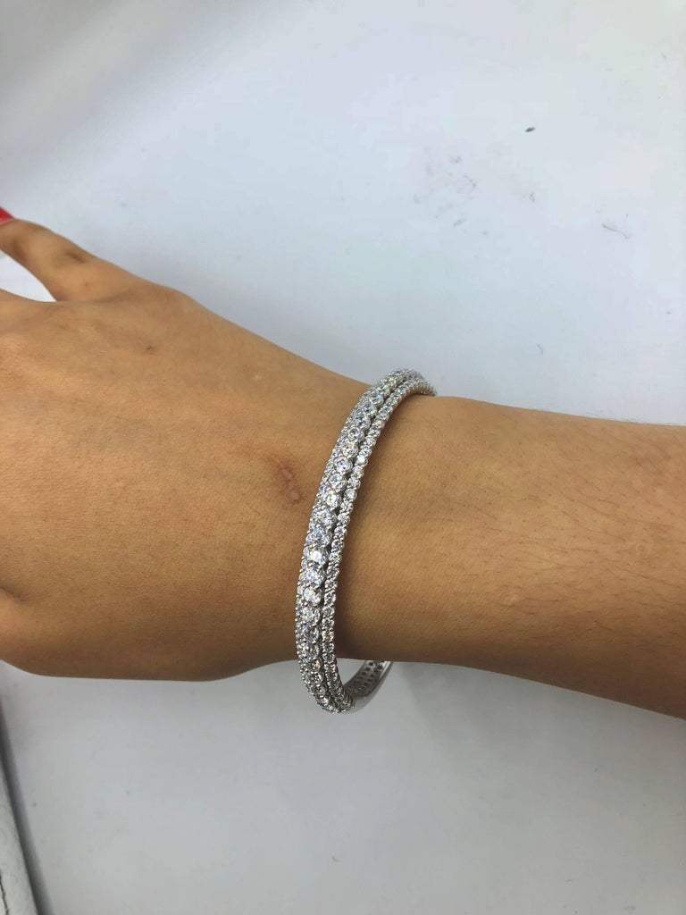 Emilio Jewelry 7.50 Carat Diamond Bangle Bracelet In New Condition For Sale In New York, NY