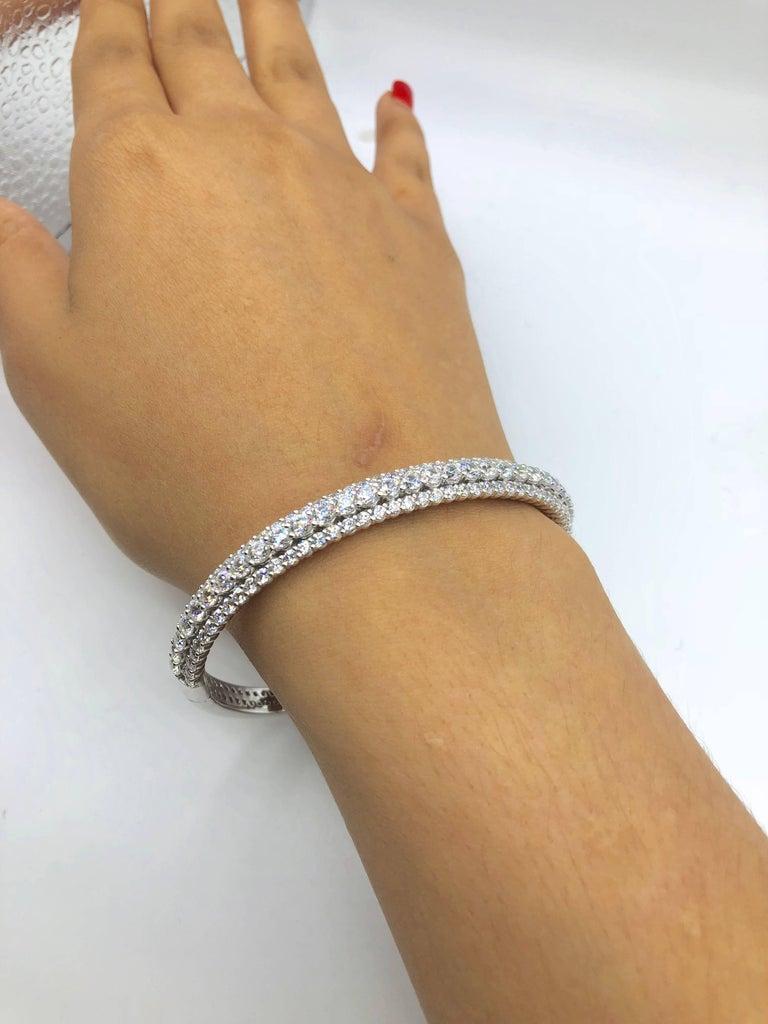 Women's Emilio Jewelry 7.50 Carat Diamond Bangle Bracelet For Sale