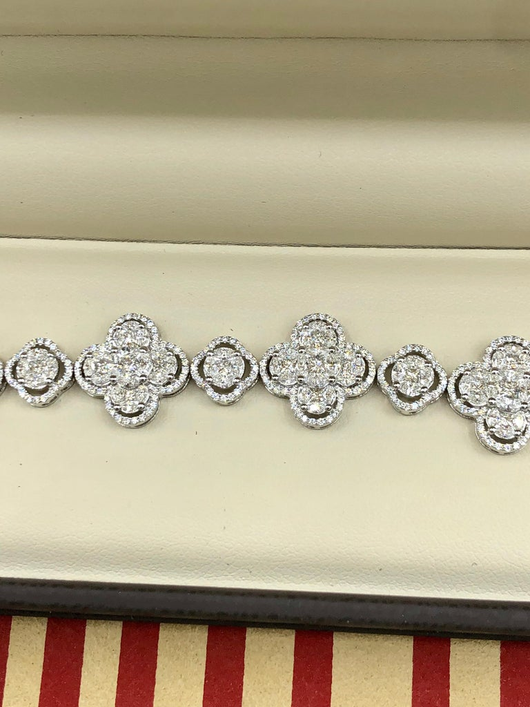 Emilio Jewelry 7.50 Carat Diamond Flower Bracelet For Sale 10