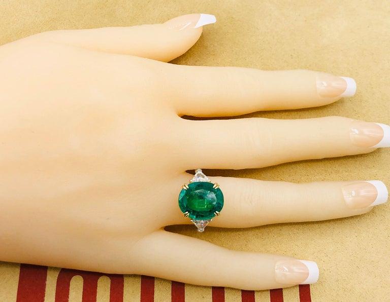Women's or Men's Emilio Jewelry 7.82 Carat Certified Emerald Diamond Ring For Sale