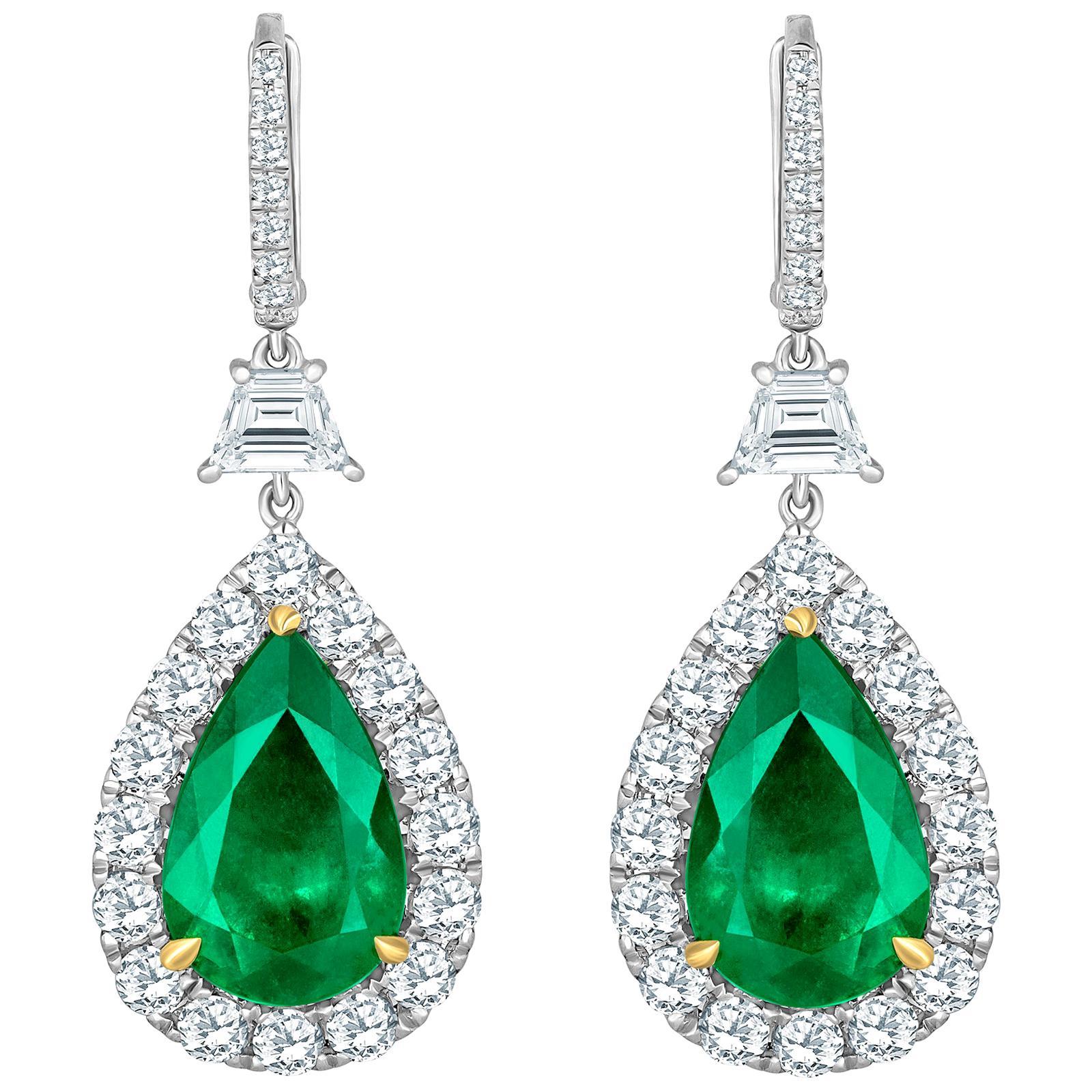 Emilio Jewelry Certified 14.02 Carat Vivid Green Colombian Emerald Earrings