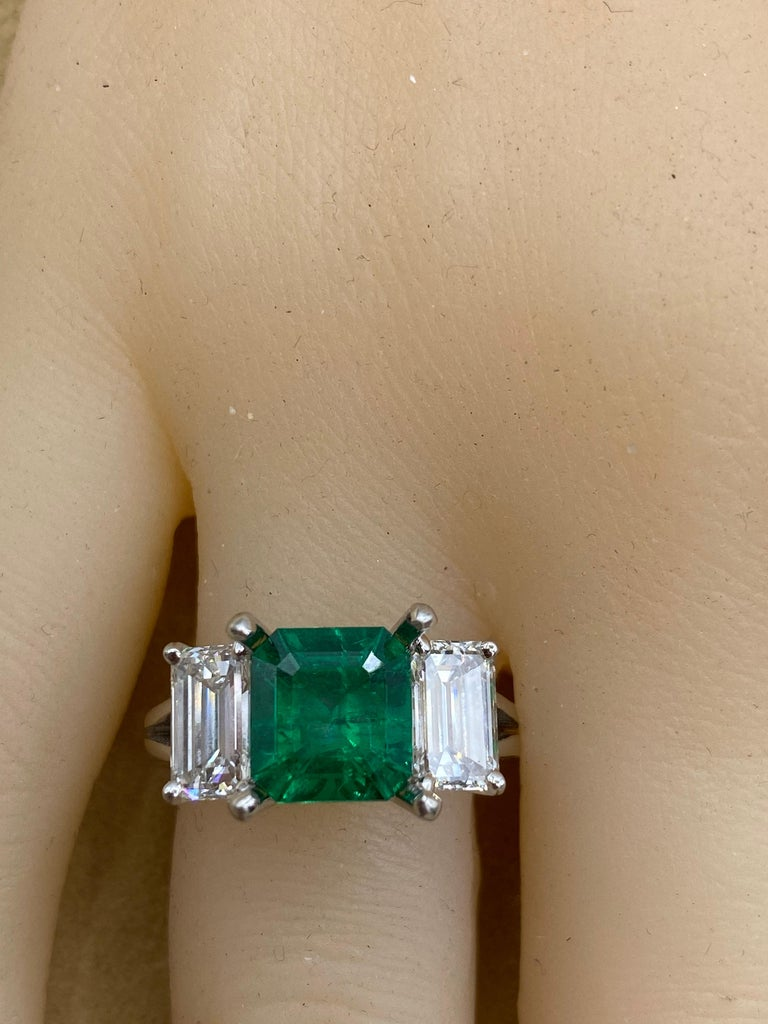 Emilio Jewelry Certified 2.28 Carat No Oil Untreated Colombian Emerald Ring In New Condition For Sale In New York, NY