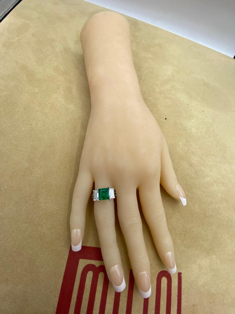 Women's or Men's Emilio Jewelry Certified 2.28 Carat No Oil Untreated Colombian Emerald Ring For Sale