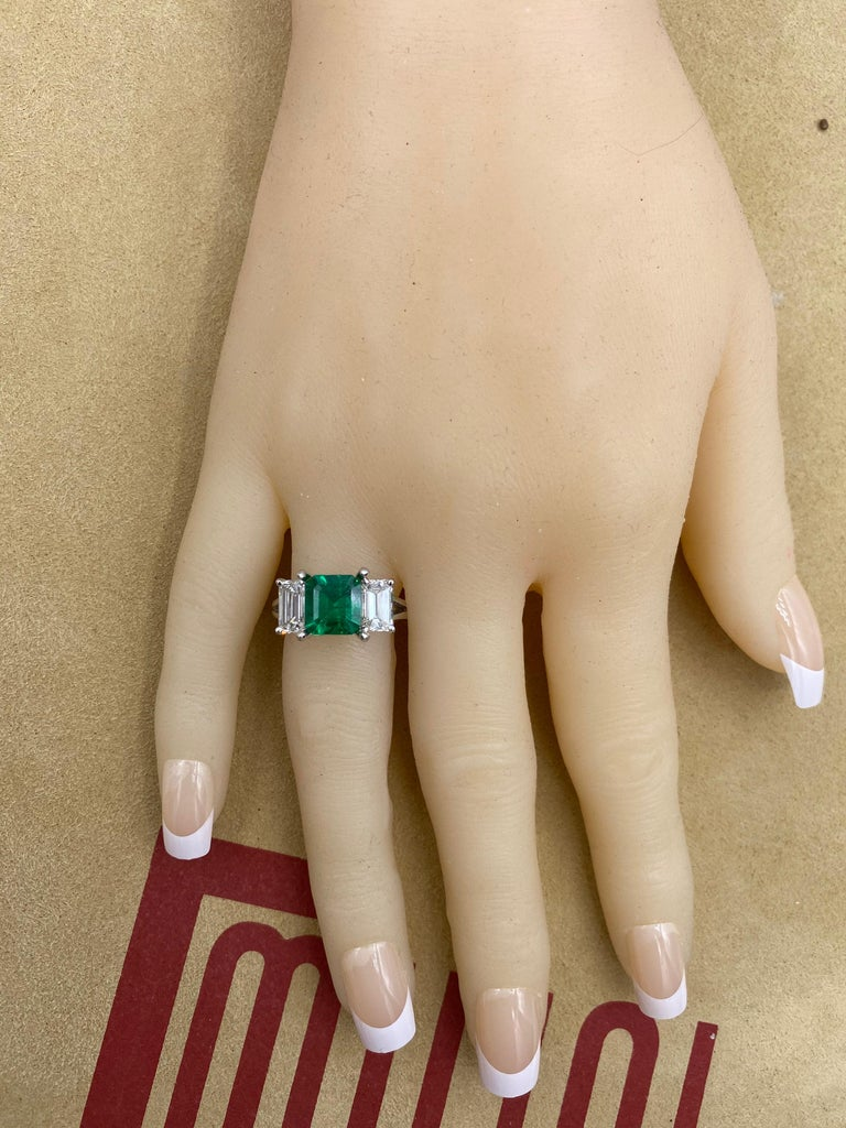 Emilio Jewelry Certified 2.28 Carat No Oil Untreated Colombian Emerald Ring For Sale 2