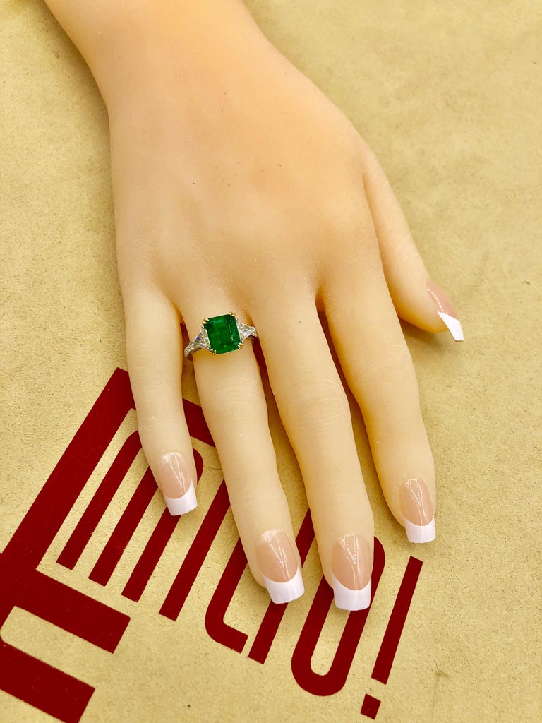 Emilio Jewelry Certified 4.10 Carat Emerald Diamond Platinum Ring For Sale 6