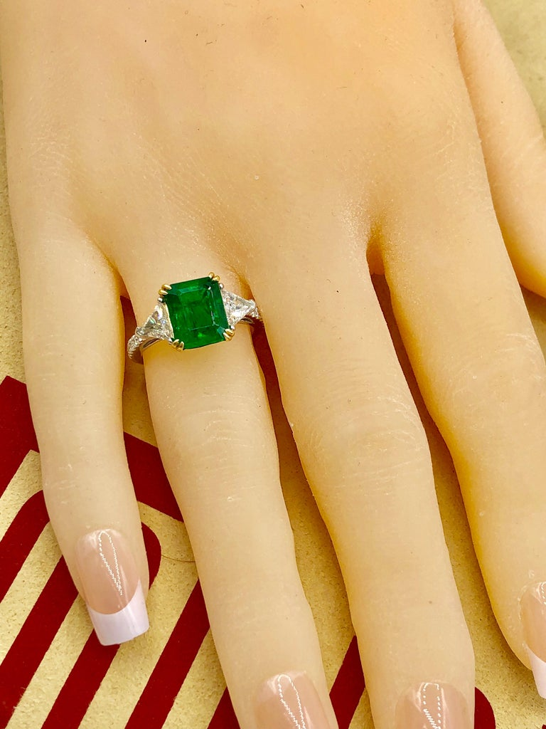 Emilio Jewelry Certified 4.10 Carat Emerald Diamond Platinum Ring For Sale 7