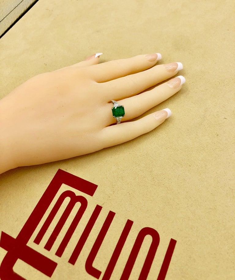 Emilio Jewelry Certified 4.10 Carat Emerald Diamond Platinum Ring For Sale 10