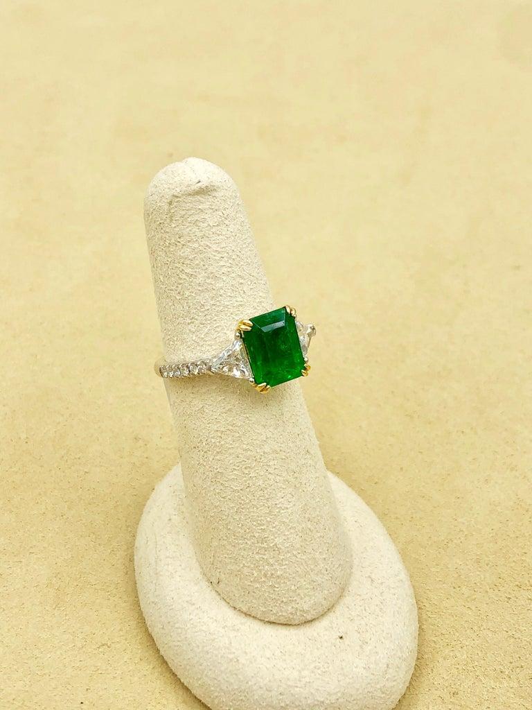 Emilio Jewelry Certified 4.10 Carat Emerald Diamond Platinum Ring For Sale 12