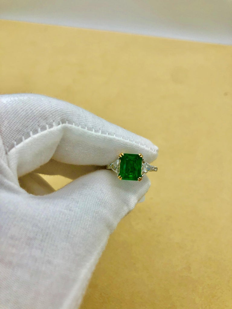 Emilio Jewelry Certified 4.10 Carat Emerald Diamond Platinum Ring For Sale 16