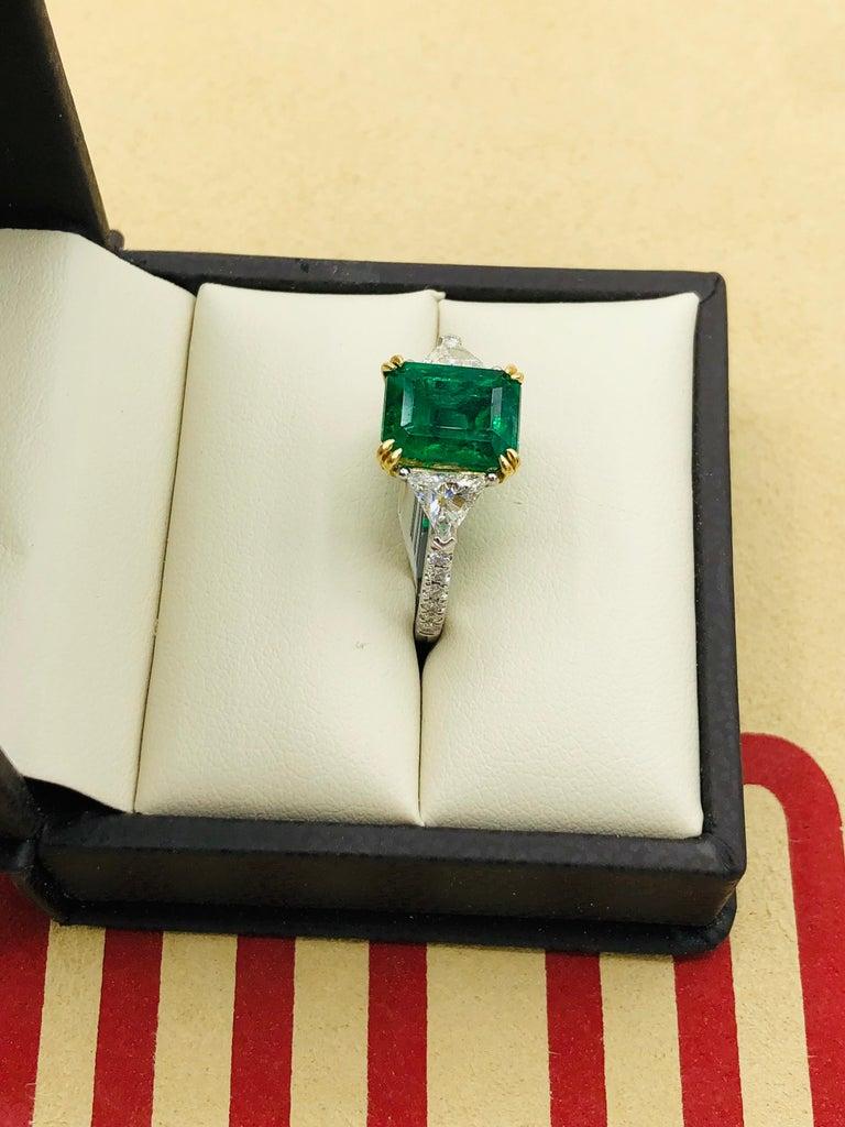 Emilio Jewelry Certified 4.10 Carat Emerald Diamond Platinum Ring For Sale 5