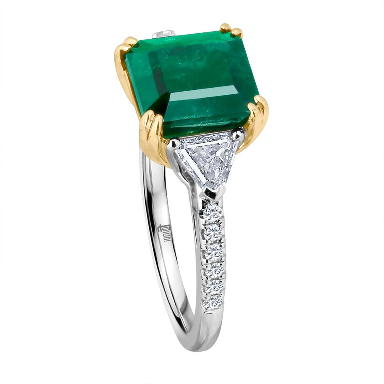 Emilio Jewelry Certified 5.14 Carat Platinum Emerald Diamond Ring For Sale 1