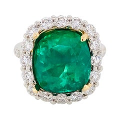 Emilio Jewelry Certified 7.65 Carat Muzo Vivid Green Colombian Emerald Ring