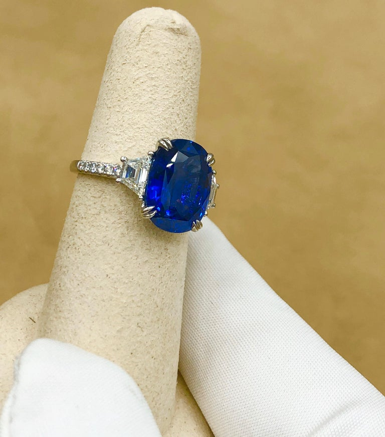 Emilio Jewelry Certified 7.96 Carat Sapphire Diamond Ring For Sale 2