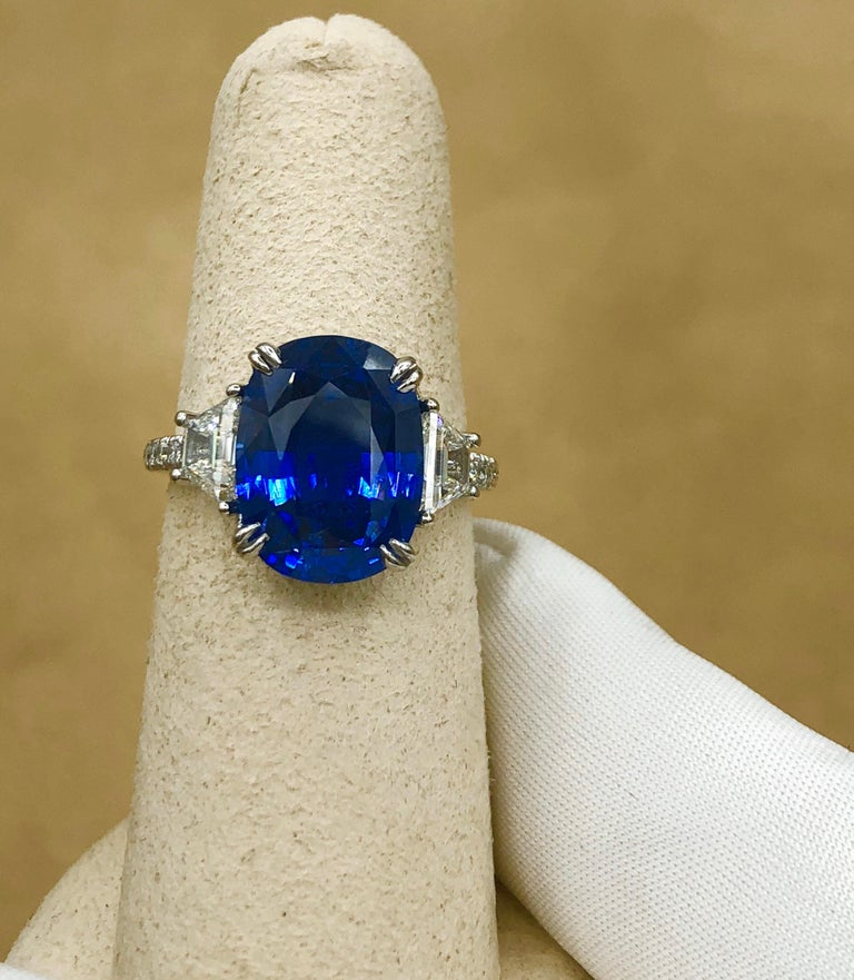 Emilio Jewelry Certified 7.96 Carat Sapphire Diamond Ring For Sale 3