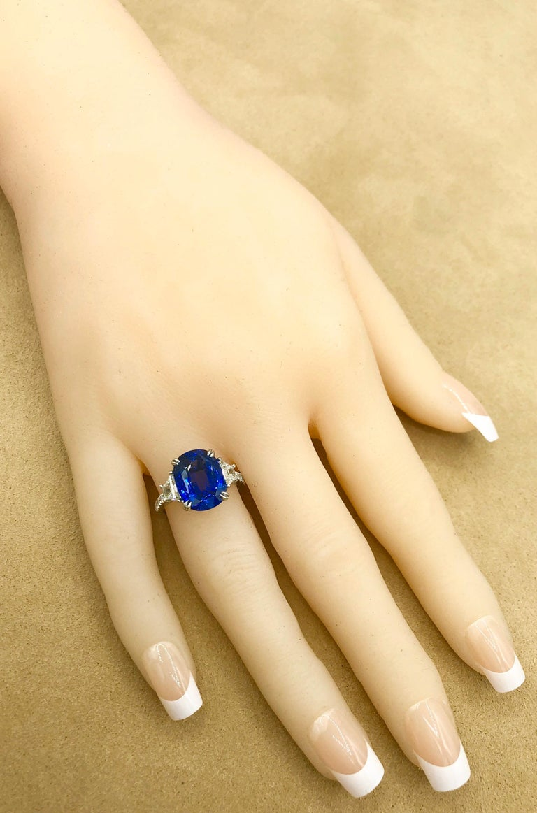 Emilio Jewelry Certified 7.96 Carat Sapphire Diamond Ring For Sale 5