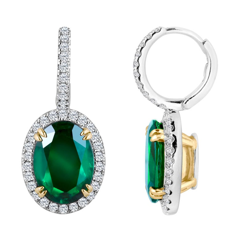 Emilio Jewelry Certified 8.49 Carat Platinum Emerald Diamond Earrings In New Condition For Sale In New York, NY