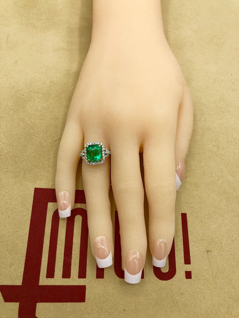 Emilio Jewelry Certified Colombian Emerald Diamond Ring For Sale 6