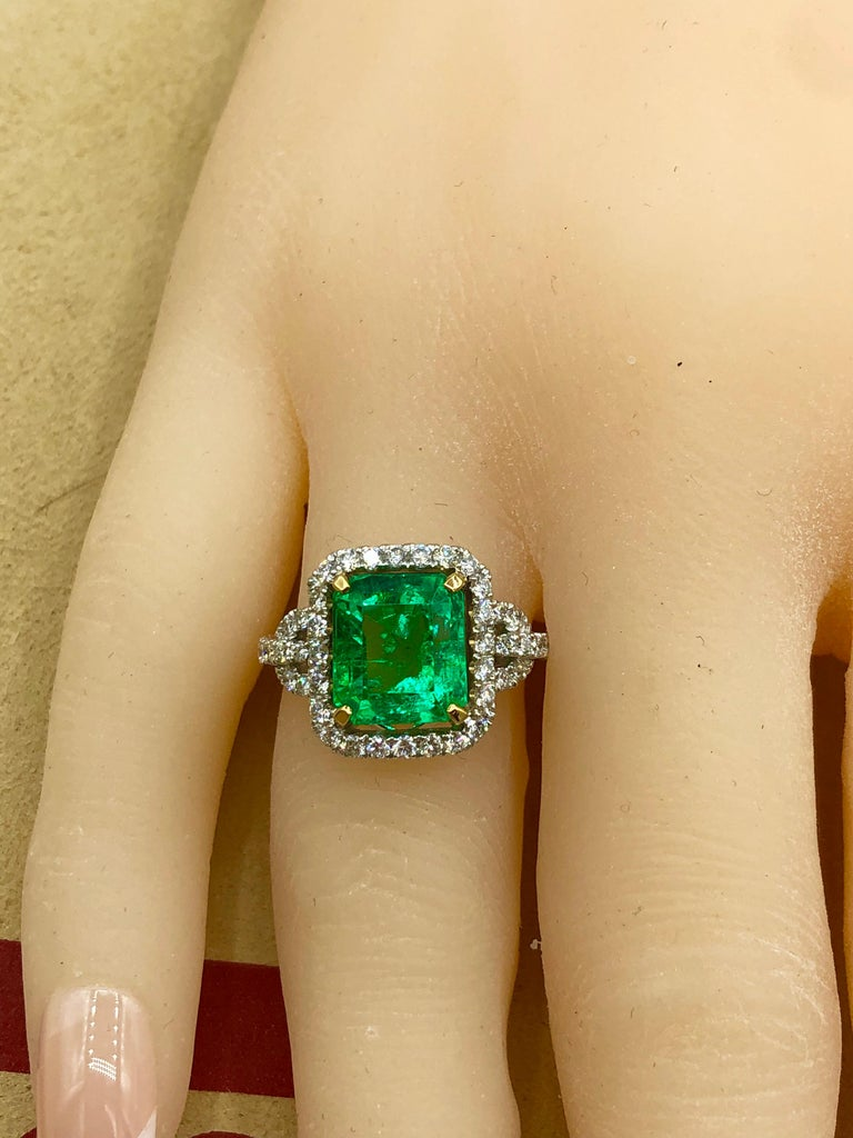 Emilio Jewelry Certified Colombian Emerald Diamond Ring For Sale 7