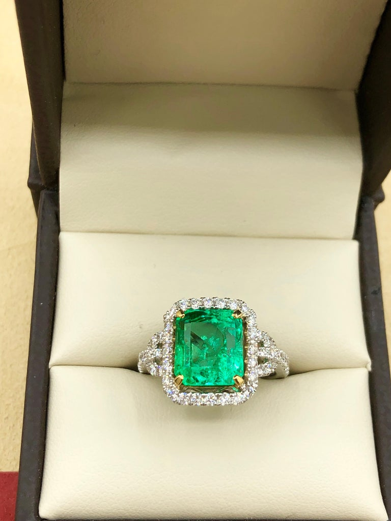 Emilio Jewelry Certified Colombian Emerald Diamond Ring For Sale 3