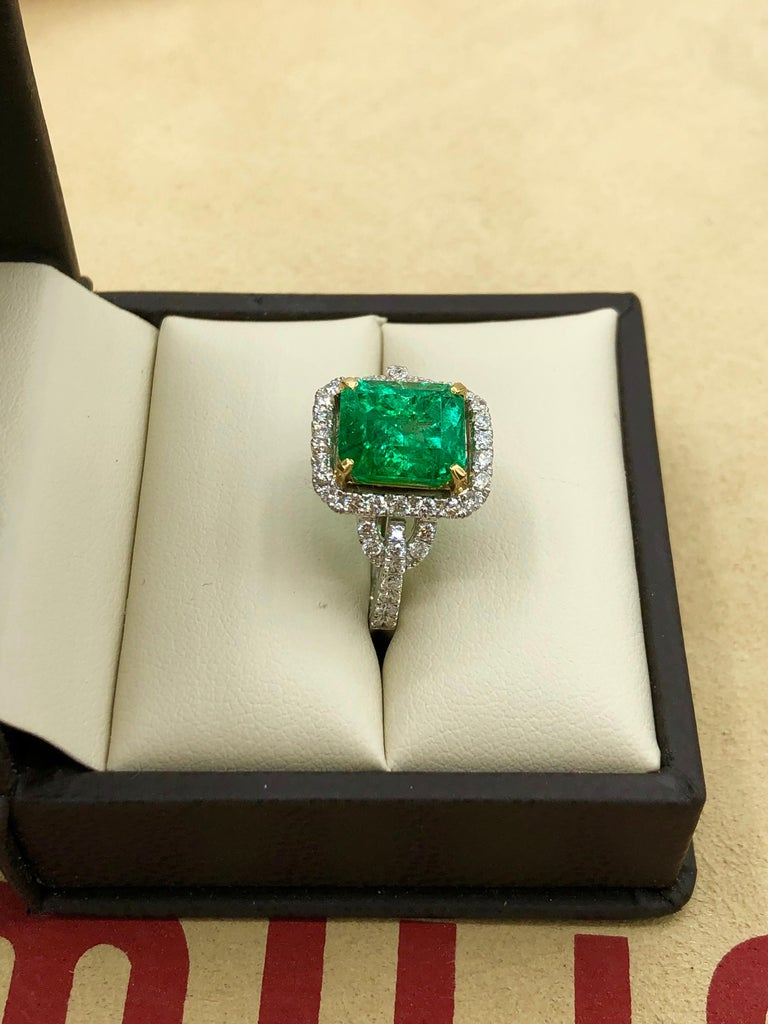 Emilio Jewelry Certified Colombian Emerald Diamond Ring For Sale 5