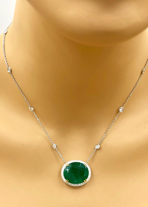 Emilio Jewelry GIA Certified 23.24 Carat Genuine Emerald Diamond Necklace For Sale 5