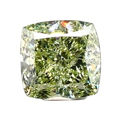 Emilio Jewelry GIA Certified Natural 5.00 Carat Fancy Green Diamond