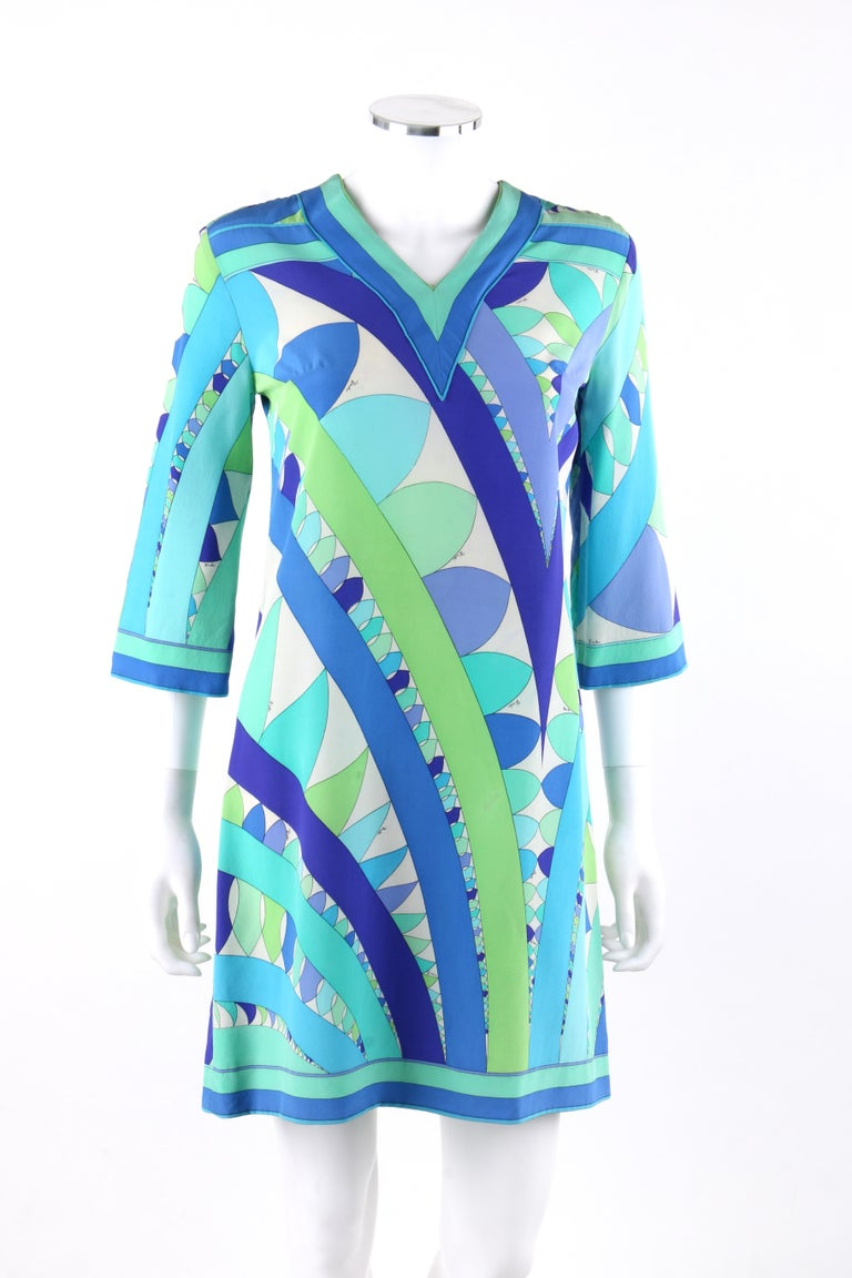EMILIO PUCCI c.1960's Blue Green Geometric Signature Print Shift Dress In Good Condition For Sale In Thiensville, WI