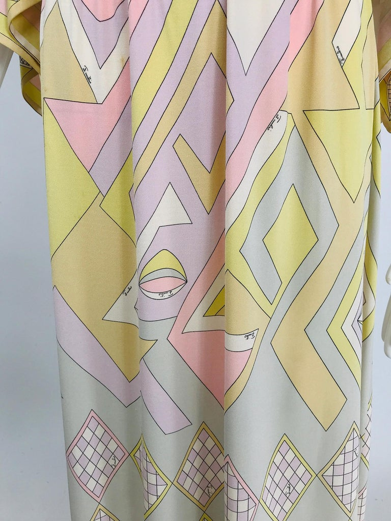 Emilio Pucci Vintage Silk V Neck Kimono Sleeve Day Dress  For Sale 8