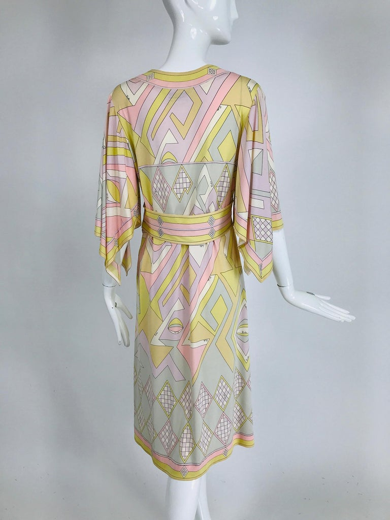 Women's Emilio Pucci Vintage Silk V Neck Kimono Sleeve Day Dress  For Sale