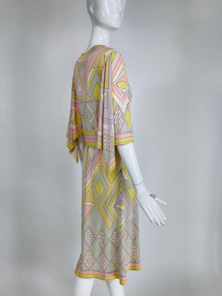 Emilio Pucci Vintage Silk V Neck Kimono Sleeve Day Dress  For Sale 3